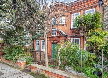 Denman Road, Peckham, London SE15. 2 bed flat for sale