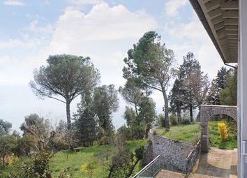 Thumbnail 6 bed villa for sale in Tuoro Sul Trasimeno, Perugia, Umbria