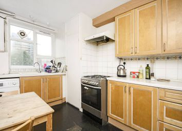 3 bed maisonette to rent in Richmond Road, Hackney, London E8