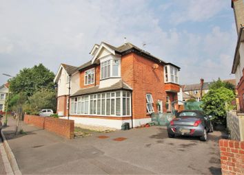 Thumbnail 1 bed flat to rent in Grand Avenue, Southbourne, Bournemouth