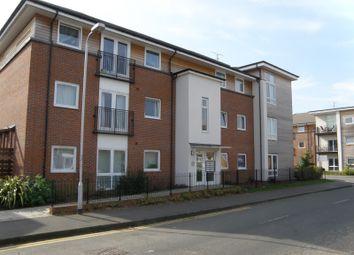 Thumbnail 2 bed flat to rent in Amersham Road, Caversham, Reading
