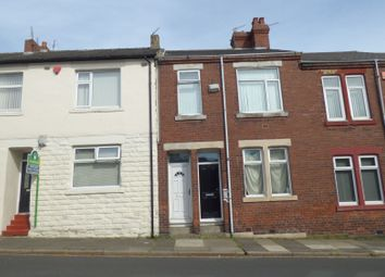 Thumbnail 2 bed flat to rent in St. Peters Road, Newcastle Upon Tyne
