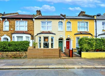 Brookdale Road, London SE6. 2 bed flat for sale