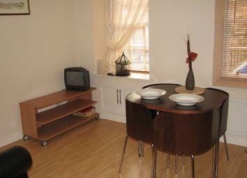 1 bed flat to rent in Well Court, Dean Path, Edinburgh EH4