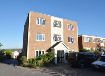 2 bed flat for sale in Green Lane, Chessington, Surrey. KT9