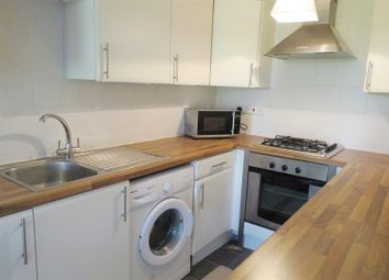 Thumbnail 2 bed flat to rent in Millbrook Road East, Southampton