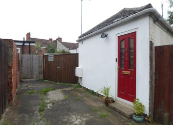 Thumbnail 3 bed detached bungalow to rent in Minton Street, Hull