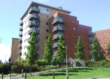 Thumbnail 2 bed flat for sale in City Walk, Leeds