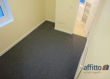Thumbnail 6 bed shared accommodation to rent in Midland Road, Luton, Bedfordshire