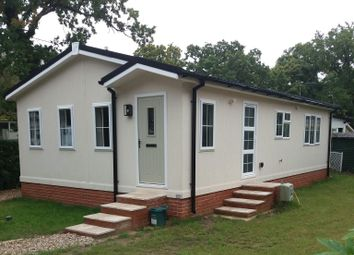 Thumbnail 2 bed mobile/park home for sale in Lyne Lane, Chertsey