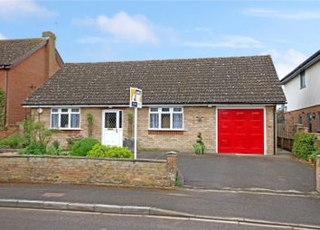 Thumbnail 2 bed bungalow for sale in Cleycourt Road, Shrivenham, Oxfordshire