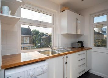 2 bed maisonette to rent in Devonshire Drive, Greenwich, London SE10