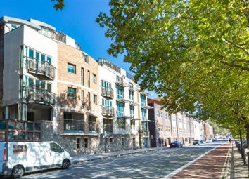 Thumbnail 2 bed flat for sale in Hotwell Road, Bristol