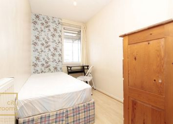 Thumbnail Room to rent in Hitchin Square, Bow