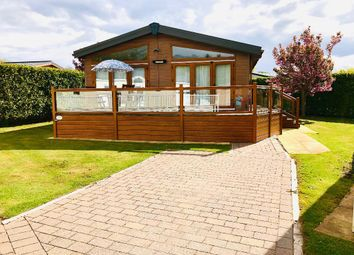 Thumbnail Mobile/park home for sale in Llanededwen, Llanfair P.G., Anglesey