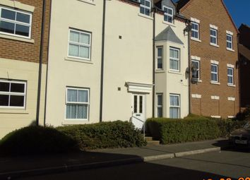 Thumbnail 2 bed property to rent in Tracy Avenue, Langley, Slough