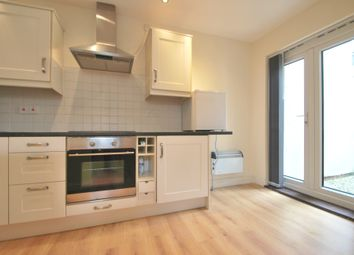 Thumbnail 1 bed flat to rent in Clifton Stret, Cardiff