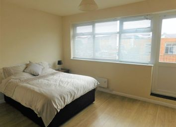 Thumbnail 3 bed shared accommodation to rent in King Street, Sutton-In-Ashfield