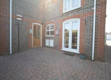 Thumbnail 2 bed flat for sale in 65 Russell Road, Newbury, Berkshire