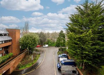 Thumbnail 2 bed flat for sale in Chandos Way, Hampstead Garden Suburb, London