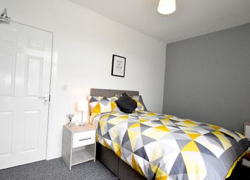 Thumbnail Room to rent in Featherstone Lane, Featherstone, Pontefract