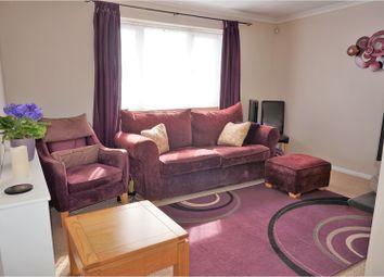 Thumbnail 2 bed maisonette for sale in Quinbrookes, Slough