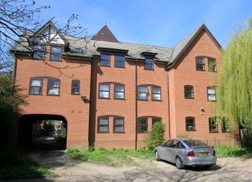 Thumbnail Flat to rent in 4 Rothsay Gardens, Bedford