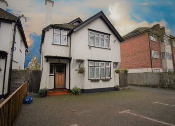 Thumbnail 4 bedroom property for sale in Bath Road, Taplow, Maidenhead