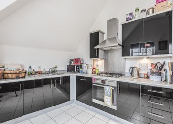 High Wycombe, Buckinghamshire HP13. 2 bed flat for sale