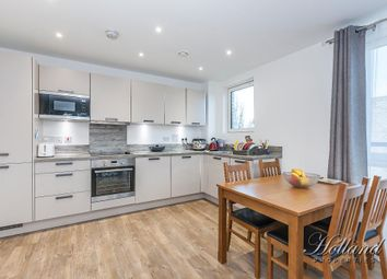 Thumbnail 2 bed flat to rent in Hawthorn House, Blondin Way, Surrey Quays, London