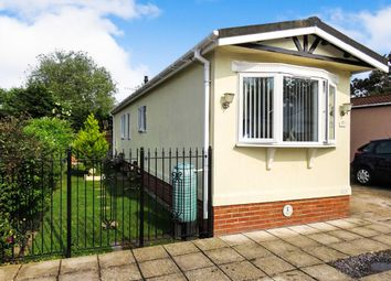 Thumbnail 2 bed mobile/park home for sale in Kingsmans Farm Road, Hullbridge, Hockley
