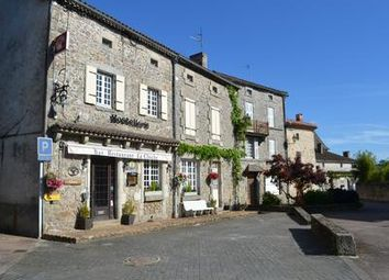 Thumbnail Pub/bar for sale in Abjat-Sur-Bandiat, Dordogne, France