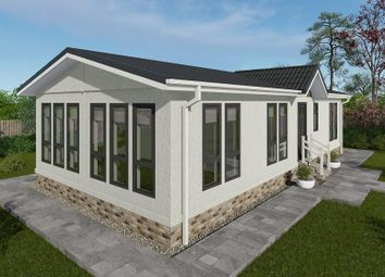 Thumbnail 2 bed mobile/park home for sale in Woodside Park, Slip End, Luton, Bedfordshire