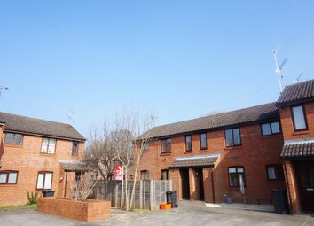 Thumbnail 1 bedroom maisonette to rent in Speedwell Close, Swindon