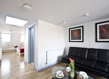 Thumbnail 1 bed flat to rent in Voss Street, London