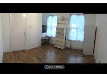 Thumbnail 2 bed flat to rent in Besley Street, London