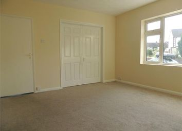 Thumbnail 1 bed flat to rent in Vicarage Lane, Gravesend