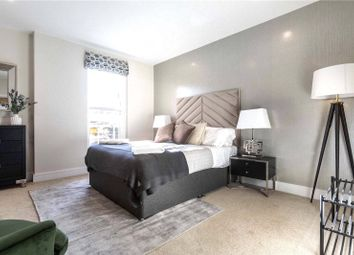 Thumbnail 2 bed property for sale in Newlands House, Oakhill Road, Surbiton, Kingston Upon Thames