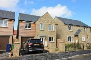 Thumbnail 4 bed detached house to rent in Sanderling Way, Bishops Cleeve, Cheltenham