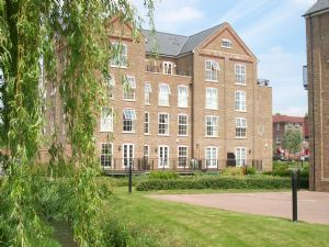 Thumbnail 2 bed flat to rent in Coaters Lane, Wooburn Green, High Wycombe