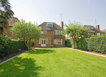 Thumbnail 5 bed detached house for sale in Linden Lea, London