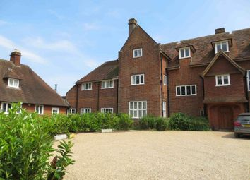 Thumbnail 1 bed flat to rent in Hunts Lane, Taplow, Maidenhead