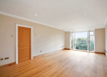 Thumbnail 2 bedroom flat to rent in Oatlands Drive, Weybridge