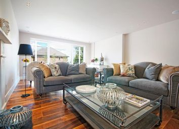 Thumbnail 6 bedroom villa for sale in Heathcroft, London