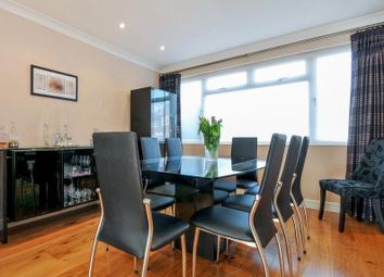 Thumbnail 2 bed flat to rent in Wentworth Road, London