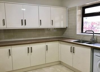 Thumbnail 6 bed flat to rent in Crofton Road, London