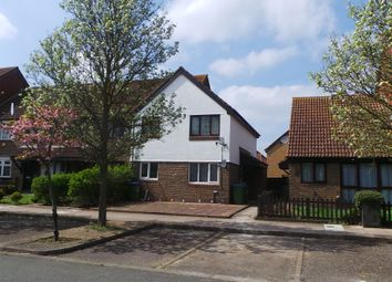 2 bed maisonette to rent in Goldfinch Road, West Thamesmead SE28