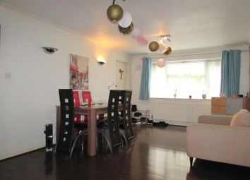 2 bed flat to rent in Dunstable Road, Luton LU4