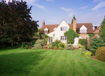 Thumbnail 5 bedroom detached house to rent in Southend, Henley-On-Thames
