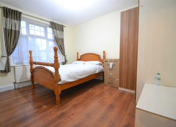 Thumbnail Room to rent in Royston Gardens, Ilford
